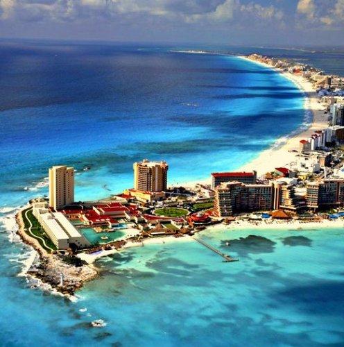 Курортне місто Канкун входить